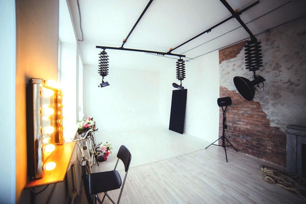 Отделка фотостудии монохром уфа, декоративной штукатуркой.