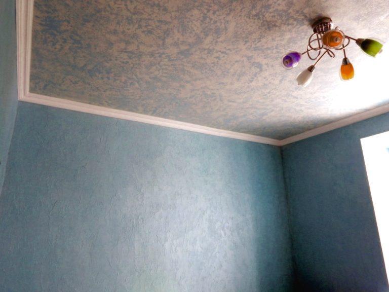 отделка потолка декоративной штукатуркой
