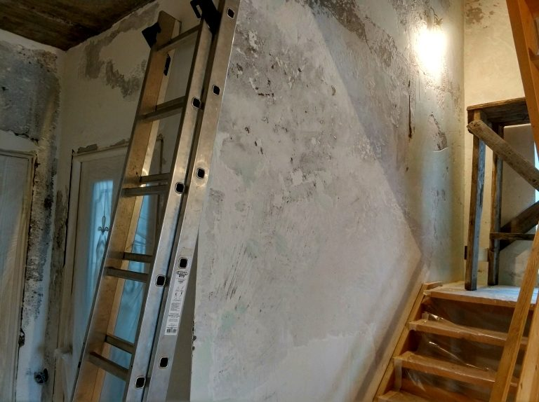 подготовка стен по декоративную штукатурку